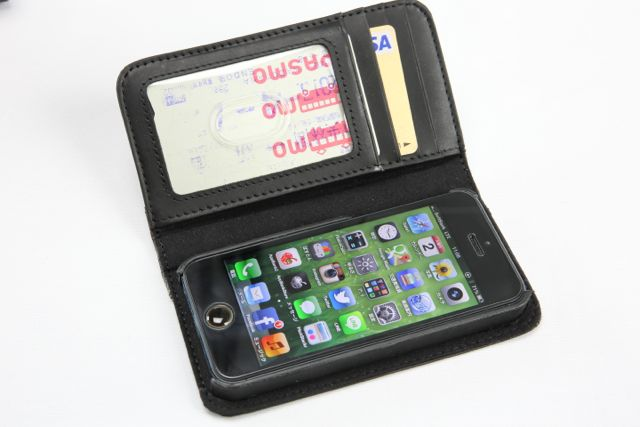 BookBook for iPhone 5