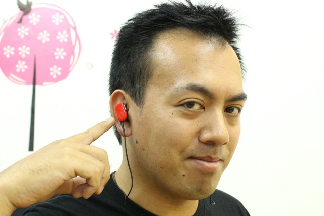 12gWireless ear - 10